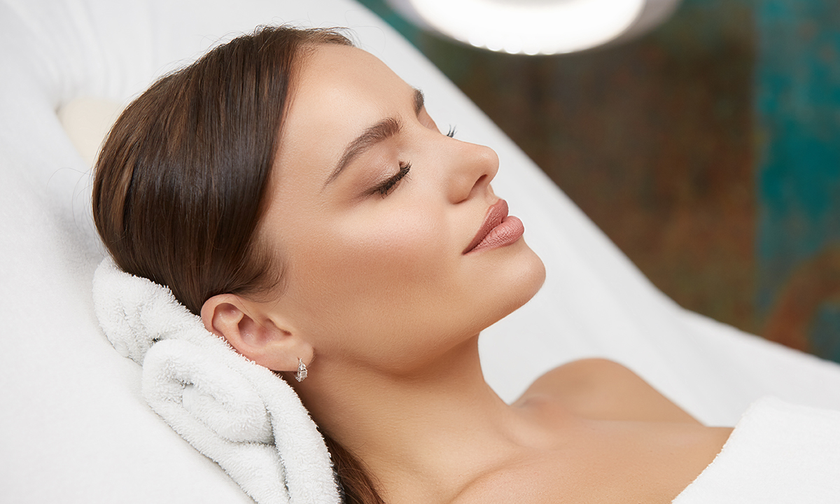 Facial mesotherapy with vitamins